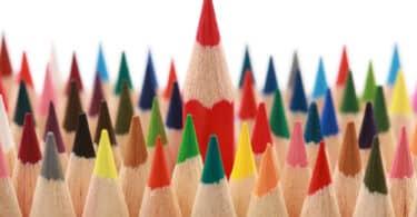 boite de crayons de couleur